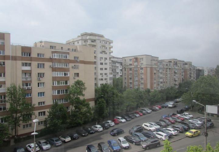 Apartament in bloc 1993 pe Calea Calarasilor!