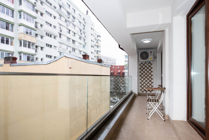 Apartament la 5 minute de Piata Victoriei; Bonus: loc de parcare privat!