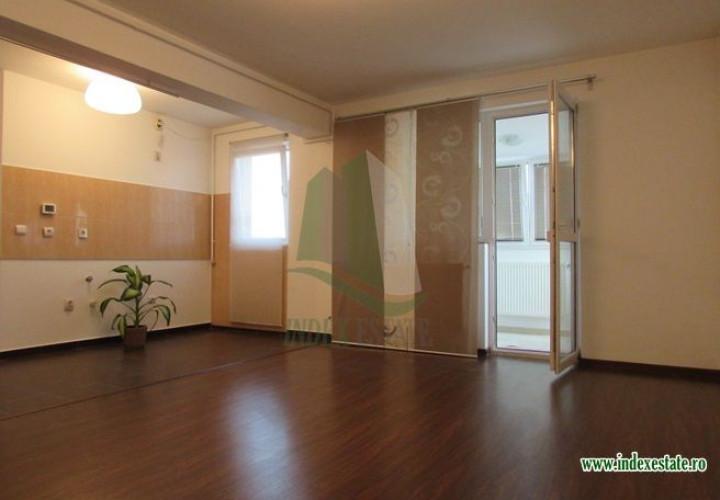 Apartament in bloc mansardat Colentina