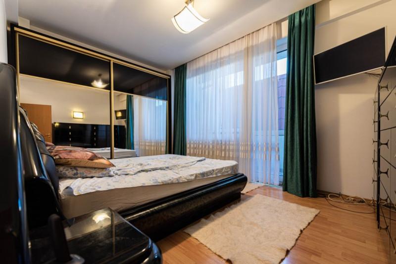 Two bedroom+officeroom+livingroom apartment near Dorobantilor Square I 2 garages